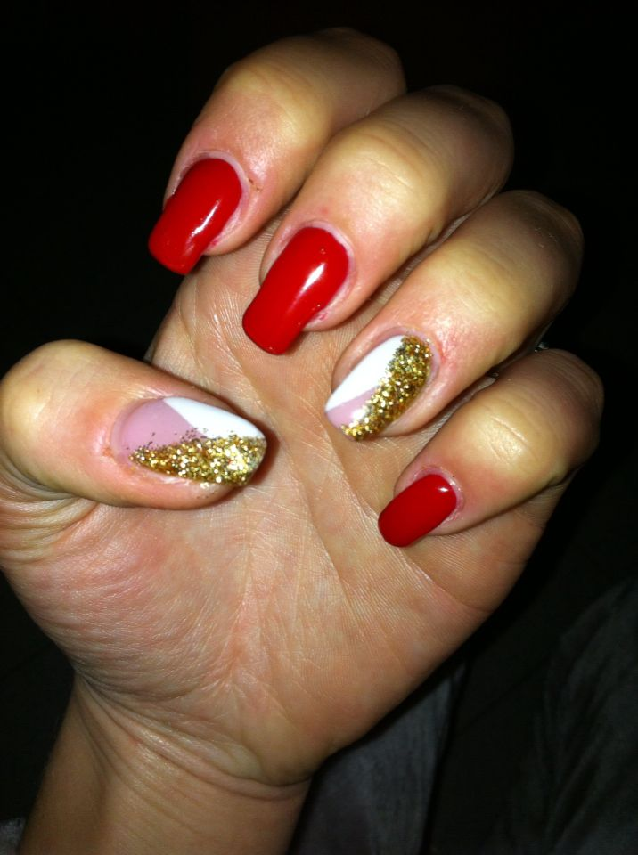 Christmas nail Gold white red