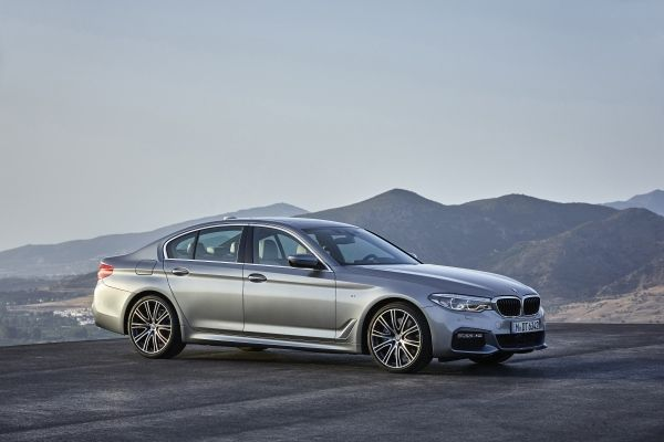 """BMW 5 Serisi Sedan ise """"Otomobiller / Ürün"""" kategorisinde saygın """"iF 2017 Altın Ödül""""ün sahibi oldu."""