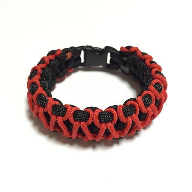 Bane Saw Paracord Bracelet Design: [Cobra Stitch Micro Weaved]  SGD $18.00  Also available at: Witty Label Concept @wlcshop  Unisex Bracelet  #ParacordBracelet #mensbracelet #womansbracelet #paracord #bracelet #ig_paracord #madeinsingapore