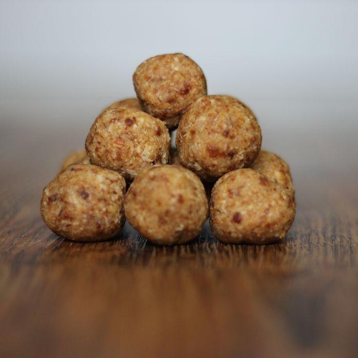 Tyto kuličky mají nakyslou chuť a proto se hodí ke zpetření např. vánočního stolu. Fajne jidlo přeje všem chutný den :)