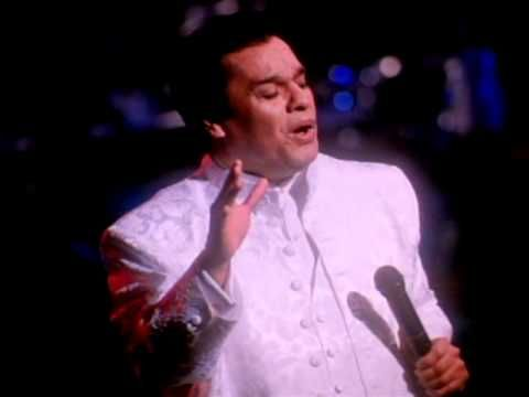 Music video by Juan Gabriel performing Asi Fue. (C) 1998 Sony Music Entertainment Mexico, S.A. De C.V.