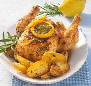 Das Rezept für Italienisches Zitronenhähnchen mit Rosmarinkartoffeln und weitere kostenlose Rezepte auf LECKER.de