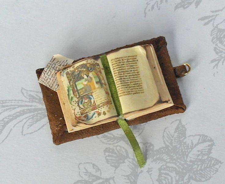 """All about dollhouses and miniatures: """"Antieke"""" boeken maken van klei"""