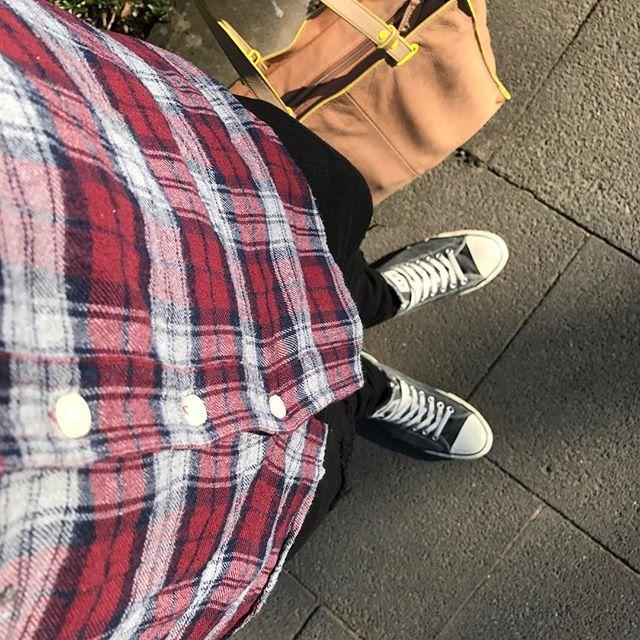 Flash Forward..... ________________________________________________________ #style #fashion #mode #modeblogger #fashiondiaries #menfashion #outfit #bag #tasche #fredsbruder #designerbag #neon #converse #chucks #menfashion  #beigebag ________________________________________________________#gay #homo #gayguy #schwul #instagay