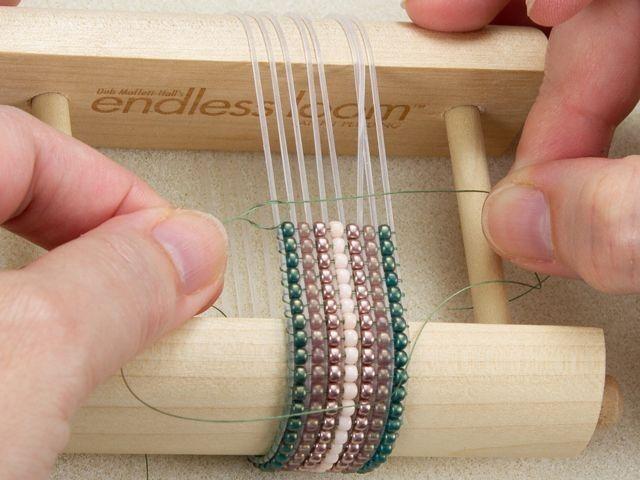 Endless Loom Stretch Bracelets Make #Bracelets # / #bracelets #endless #loom #Loomideas #Stretch