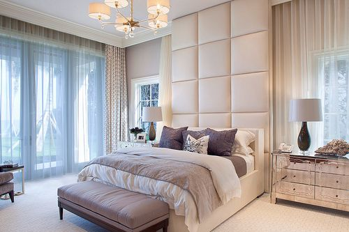 Upholstered headboard wall ● bench ● mirror nightstands ● Table lamps