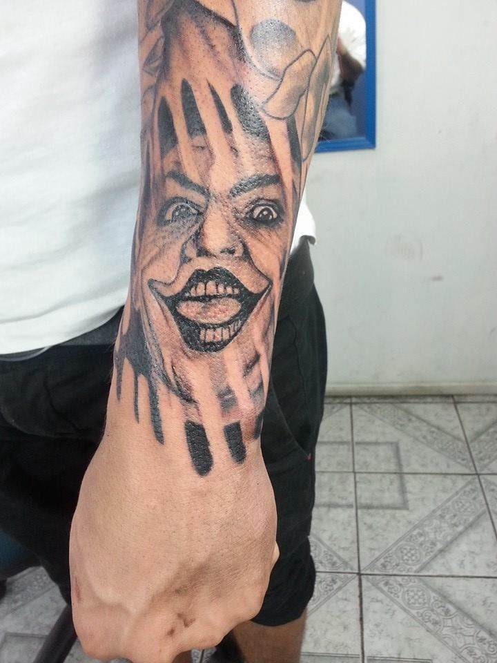 guason black and greis tattoo
