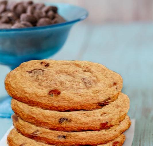 Treat yourself to some snacks! http://amzn.to/2oEqnkm Chewy Gluten Free Bacon Chocolate Chip Cookie Recipe - http://glutenfreerecipebox.com/chewy-gluten-free-bacon-chocolate-chip-cookies/ #glutenfree #bacon #chocolate #cookies