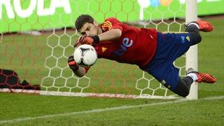 Spain's goalkeeper and captain Iker Casillas takes part in a training session on October 15, 2012