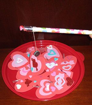 Looking for a Valentine's Day Activity?  A Fun and Easy Valentine Game for the Little Ones!  The children can make them – easy!
