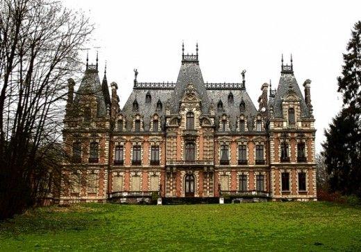 Château de Flixecourt ~ Picardie ~ France                                                                                                                                                                                 Plus