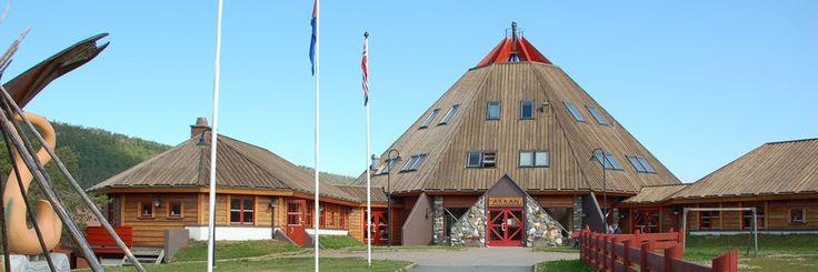 Forsknings- og museal virksomhet. Arran Museum dokumenterer og samler inn gjenstander og tradisjonskunnskaper, forsker på det samiske samfunn før og nå, og sist men ikke minst formidler kunnskap til barn, unge og voksne.