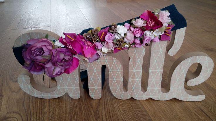 Cinto de flores con flore rosadas y moradas // Flower belt with pink and purple flowers