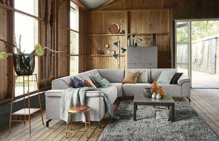 25 beste idee n over eigentijdse woonkamers op pinterest familie kamer decoreren huiskamer - Eigentijdse bank ...
