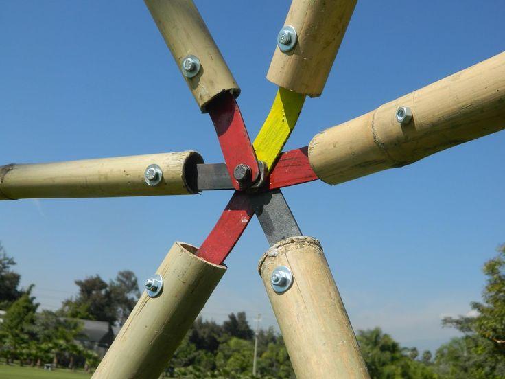 Exposição Final na Praça do Ciclo Básico - Unicamp       O domo geodésico (ou cúpula geodésica) foi a obra prima de Buckminster F...