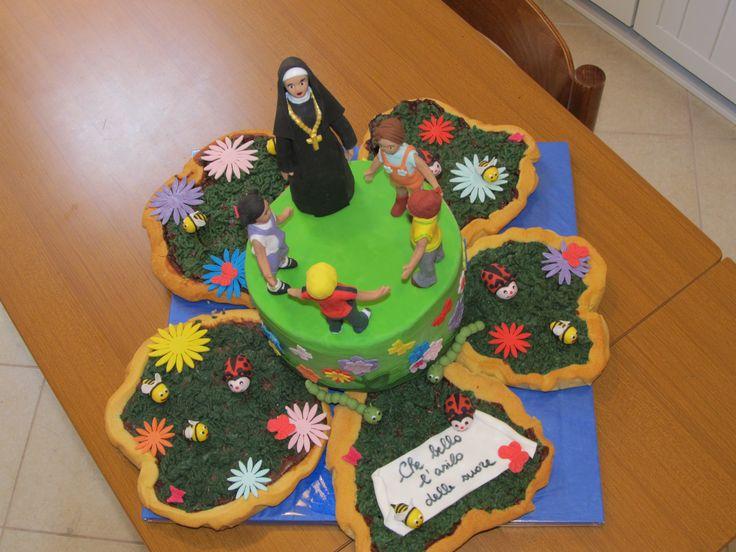 #Cakedesign: Le singole #torte sono disposte per formare un #fiore!