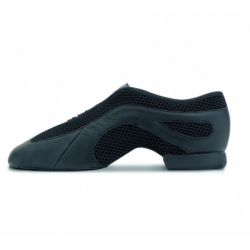 Bloch Slipstream, Jazz Shoes  Black leather and mesh slip on upper with an elastic lacing system for a secure fit. Rubber split sole.  Width : MW  Colour : Black, Black/Silver, Pink, Tan  Price: 39.00€