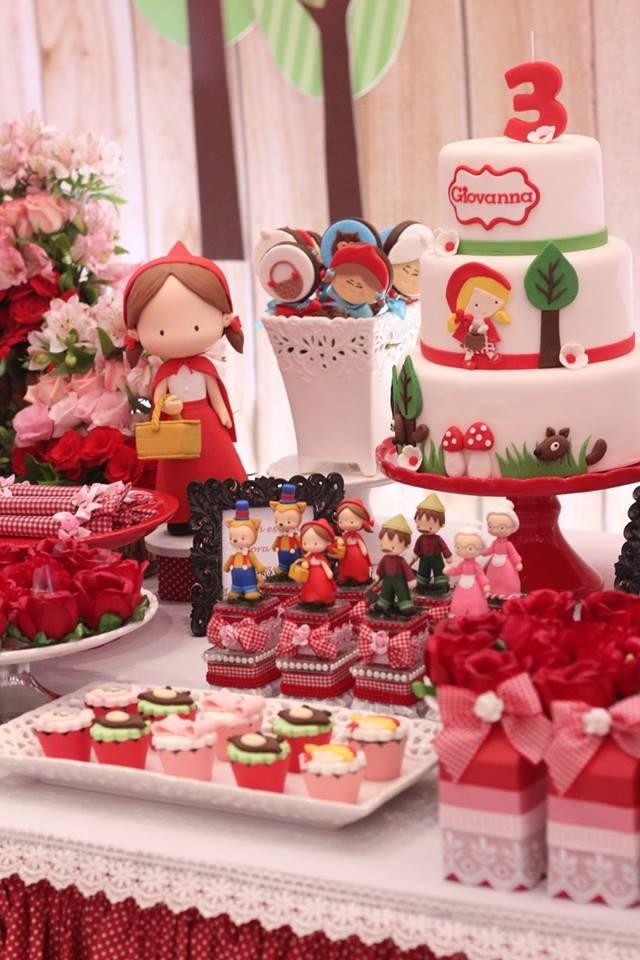 Olha que amor esta Festa Chapeuzinho Vermelho. Decoração Dona Caramella. Lindas ideias e muita inspiração! Bjs, Fabiola Teles.           Mais ideias lindas...