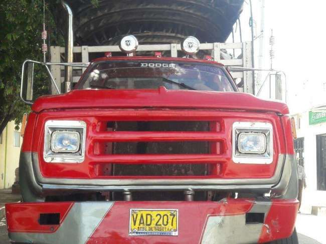 Excelente Camion Dodge 600 para 10 Toneladas