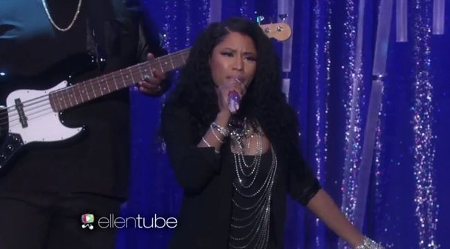 [Video] Nicki Minaj & Skylar Grey Perform 'Bed Of Lies' On The Ellen Show- http://getmybuzzup.com/wp-content/uploads/2014/12/Nicki-Minaj-Performs-Bed-of-Lies.jpg- http://getmybuzzup.com/nicki-minaj-skylar-grey-ellen-show/- Nicki Minaj & Skylar Grey Perform On The Ellen Show ByAmber B Nicki Minaj's third studio albumThe Pinkprintis finally in stores today. And to kick off her campaign, she stopped by The Ellen Show today morning to perform her current single �