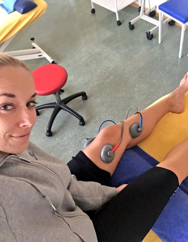 "Sabine Lisicki: ""After a long gym session some more treatment... Gotta take care of the knee""  #stepbystep - Nov. 2015"