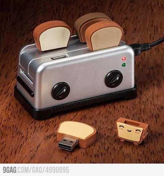 Toaster USB hub/flash drives. This is so freakin' cute! What a neat idea! :D
