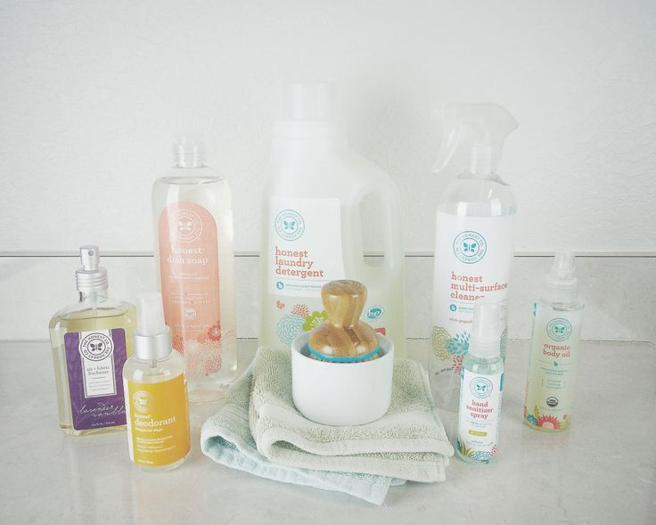 An Honest Company Product Review! My review of my first Honest Company bundle, including which body and household products I loved and which I didn't. Head to my blog to read all the details!