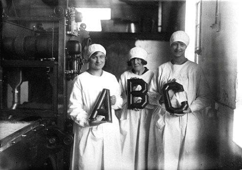 arbeidsters chocoladefabriek