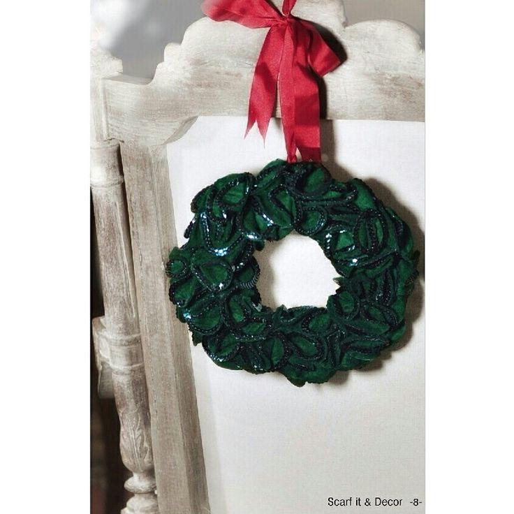 Stunning #Christmas #Wreath exclusive of #HeySanta!  Xmas Collection
