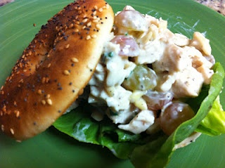 skinny chicken salad. only 245 calories for 3/4 cup!: Chicken Salads, Skinny Chicken Salad, Dinners, Maine Cour, Healthy Food, Eating Healthy, Food Drinks, Delish Dishes, 3 4 Cups