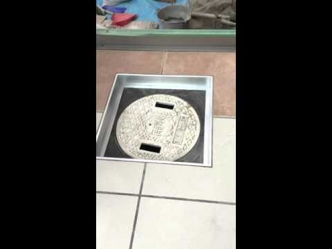 神戸市西区でタイル貼りをするとき。。丸い雨水枡が邪魔で。。。 - YouTube