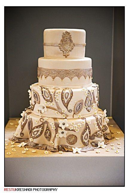 Beautiful white mendhi inspired Indian Wedding Cake