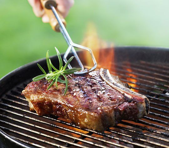No one wants to mess up steak on the grill. For one thing, a leathery over-cooked steak makes for an extremely sad eating experience. For another, steaks are expensive! From grilling pro Jennifer Chandler, we have six steps that will guarantee a perfectly grilled steak every time.