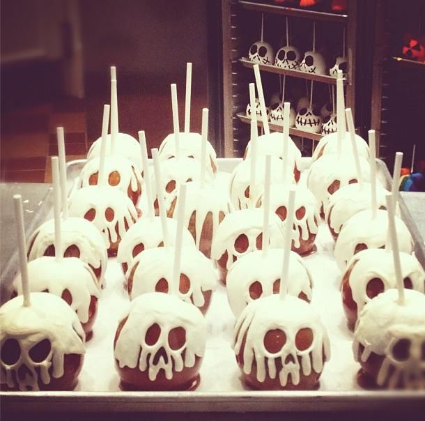 Skull candy apples