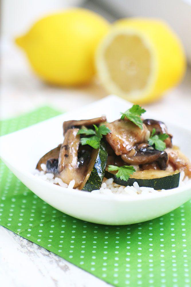 Стир – фрай с курицей, грибами и цуккини