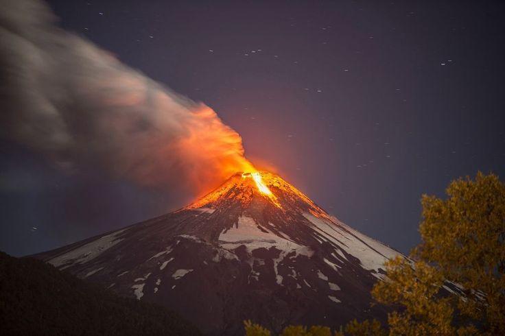 Prachtige beelden van de uitbarstende Villarica vulkaan in Chili - Reizen - KnackWeekend.be