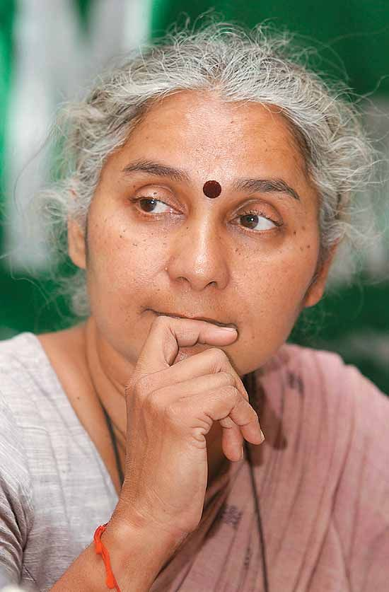 Medha Patkar resigned from the Aam Aadmi Party (AAP); Backs Yogendra Yadav and Prashant Bhushan - http://sikhsiyasat.net/2015/03/29/medha-patkar-resigned-from-the-aam-aadmi-party-aap-backs-yogendra-yadav-and-prashant-bhushan/