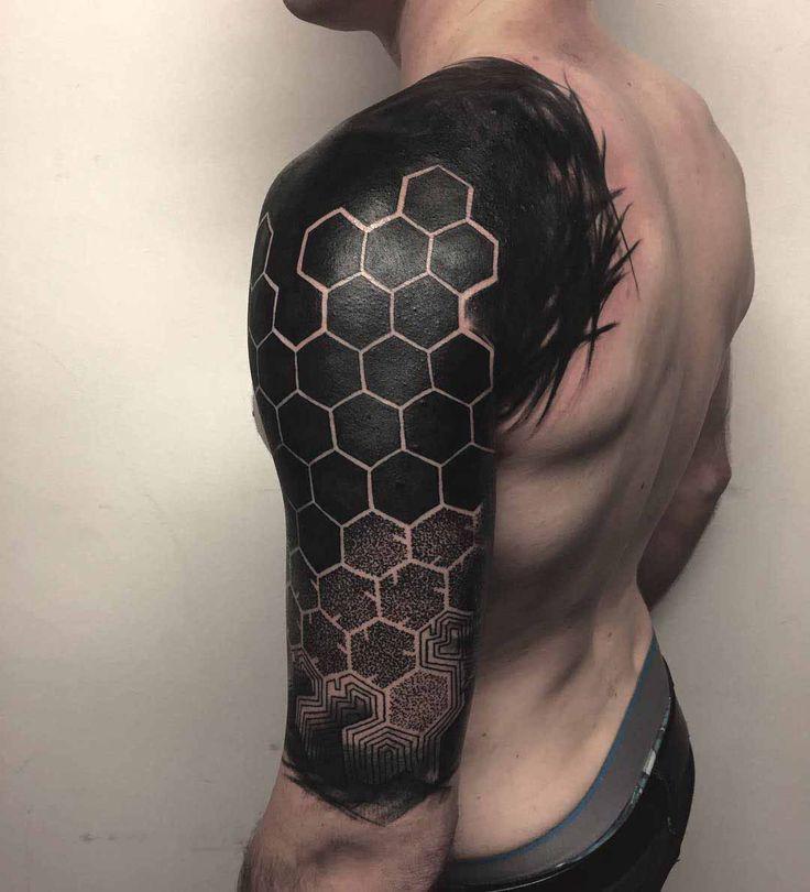 Resultado de imagem para hexagon tattoo http://www.retroj.am/geometric-tattoos/