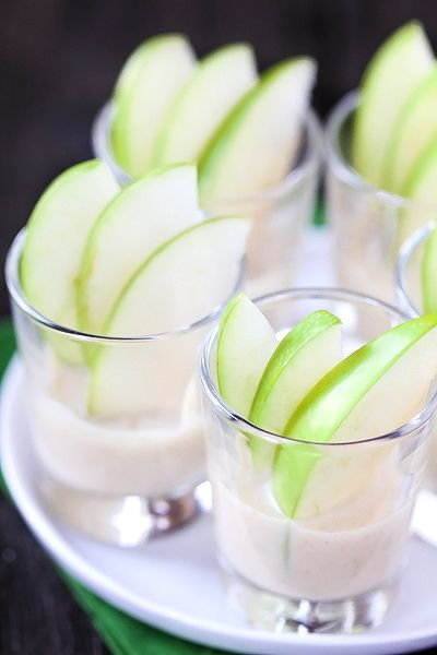 Creamy Caramel Apple Dippers: Apples Dipper, Dipper Gimme, Sweet, Food, Delight Appetizers Snacks, Apples Slices, Creamy Caramel Apple Dipp, Http Www Gimmesomeoven Com, Creamy Caramel Apples Dipp