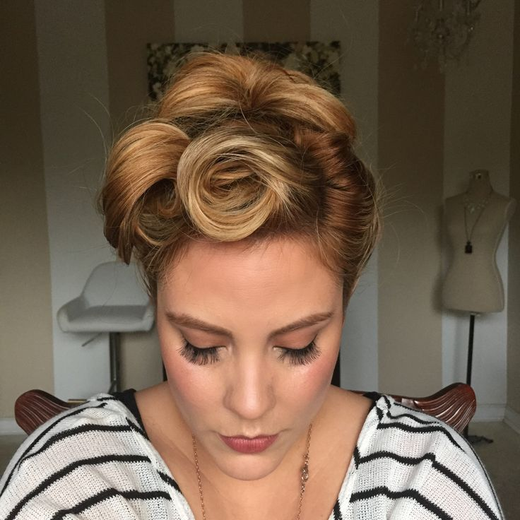 Vintage Updo • Free tutorial with pictures on how to style an updo hairstyle in under 10 minutes