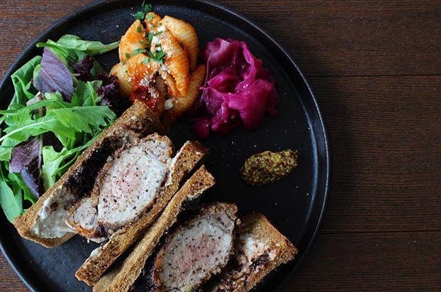 glougloureefur:厚切りの鹿児島県産黒豚を贅沢に使用した、GLOUGLOUのカツサンド。 _ アンチョビ入りクリームチーズと、バルサミコデイツソースがポイントの、他では味えない癖になる味わいです。 . こちらのメニューは代官山本店、タカシマヤゲートタワーモール店ともにお愉しみ頂けます。是非ご賞味下さい。 . #GLOUGLOUREEFUR#MAISONDEREEFUR#daikanyama#tokyo#nagoya#japan#cafe#lunch#dinner#food#sandwich#pork#kagoshima#drink#deli#vegetable#instafood#代官山#名古屋#カフェ#ディナー#ランチ#サンドイッチ#カツサンド#デリ#代官山ランチ#タカシマヤゲートタワーモール#グルグルリーファー#REEFURWEB 2018/01/08 11:01:57