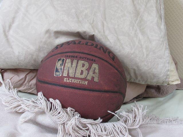 Why It's So Hard to Sleep in the NBA  ||  Pro basketball players and coaches suffer terrible sleep. Can their dreams help? https://www.psychologytoday.com/us/blog/dreaming-in-the-digital-age/201804/why-its-so-hard-sleep-in-the-nba