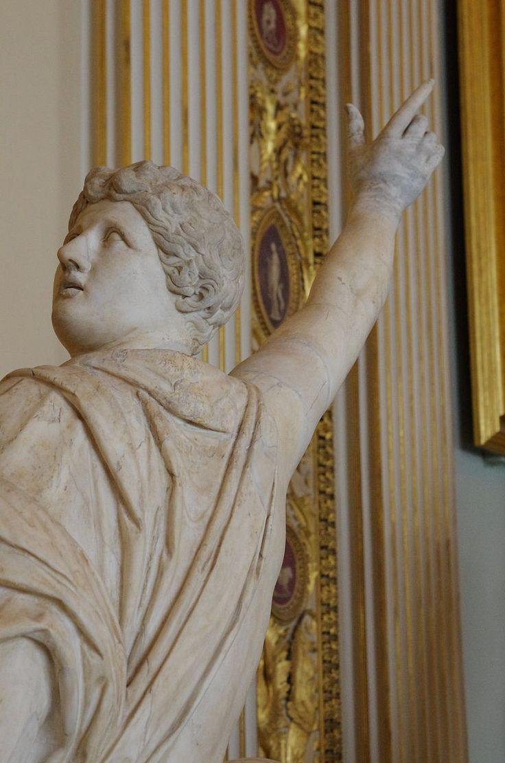 03 2015 Niobide che sale su una roccia (scultura), I - II secolo opera romana-Galleria degli Uffizi (Firenze) Photo Paolo Villa FOTO9242.JPG