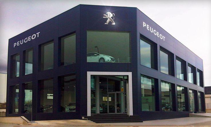 Revestimiento de composite en Concesionario #Peugeot realizado por Sistemas TM