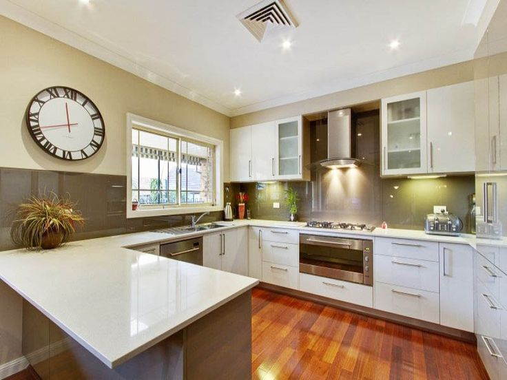 Modern U Shaped Kitchen Design Using Hardwood   Kitchen Photo 668824