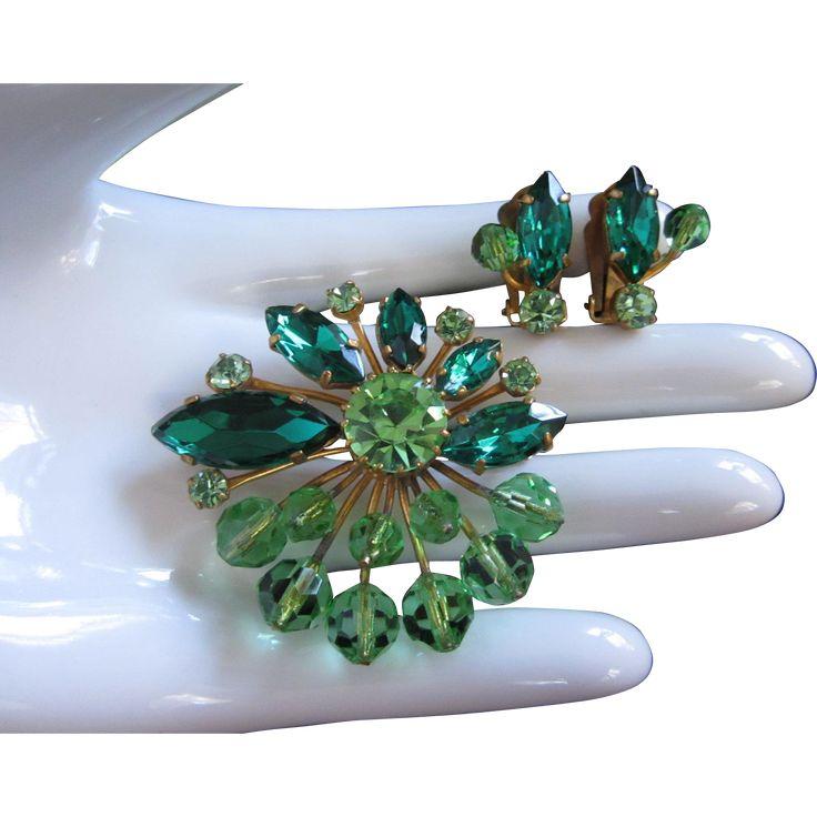 Shani Emerald: Best 25+ Crystal Brooch Ideas On Pinterest