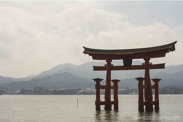 Today I travel from Hiroshima to the island of Miyajima on a daytrip. The island is a popular tourist destination for the Japanese.
