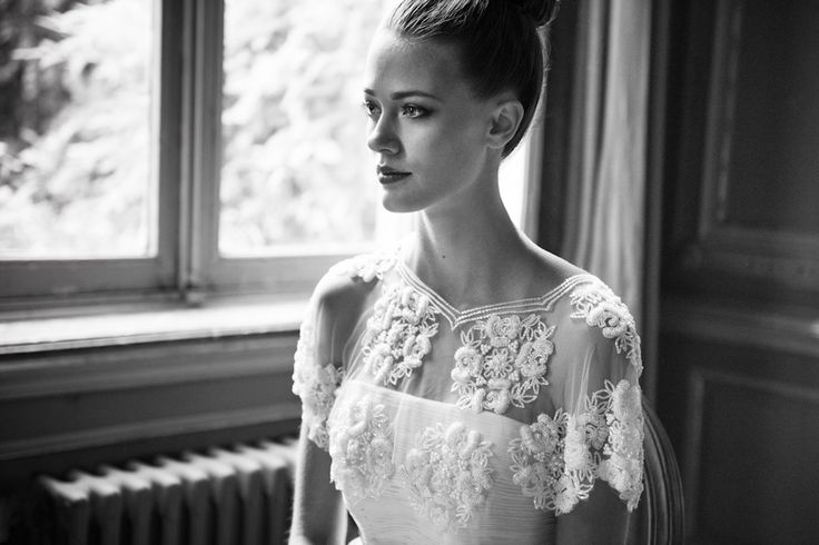 Robe de mariée Leila Hafzi, étole Ivy & Aster, ceinture Atelier Rousseau, shooting Elodie Timmermans, Copyright Mlle C.