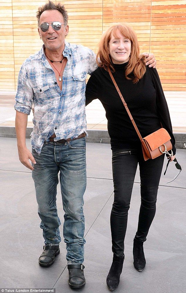 Bruce Springsteen Looks So In Love As He Goes Shopping