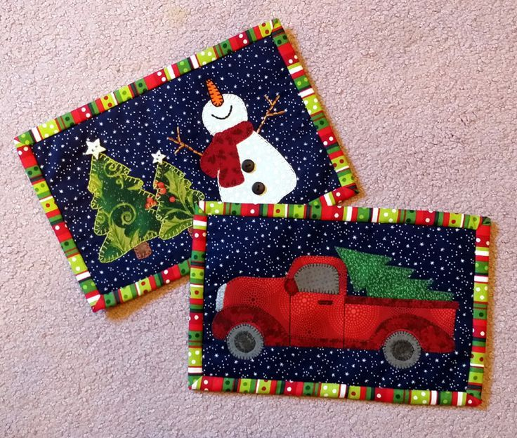 Lots of Christmas mug rug patterns! More